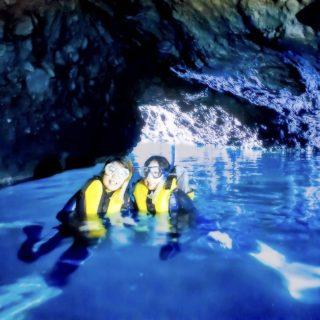 積丹青の洞窟シュノーケルツアー